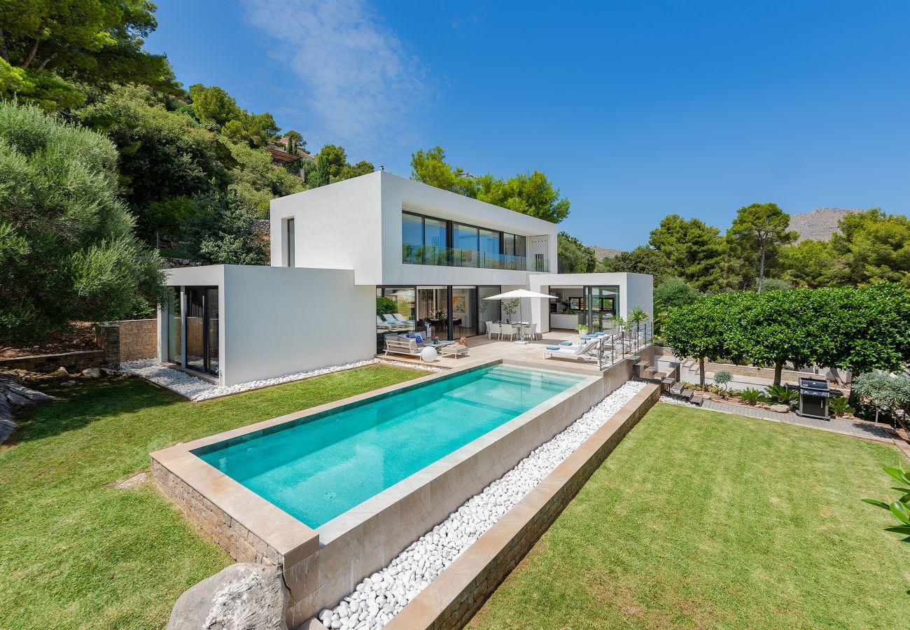 Villa in Pollensa - Villa Blanca